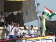Aamir sings with Team Anna