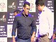 Bigg Boss 9 Salman Khan IGNORES Aishwaryas question