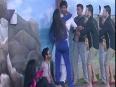 Gauhar, Pratiyusha Plays Politics - Bigg Boss 7