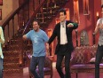 Jeetendra And Tusshar Kapoor-Comedy Nights With Kapil   FUNNY MOMENTS !