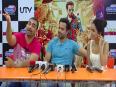 Emraan Hashmi Loves Kissing Humaima Malik