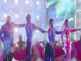 India Waale Video Song - Happy New Year | Shahrukh Khan | Deepika Padukone | Song Review