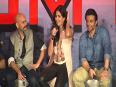 Kareena Kapoor To Kiss Katrina Kaif   - Katrina Reacts !