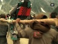 Pilgrims en route amarnath shrine content with hospitality in kashmir