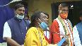 Watch Amit Shah enjoys Baul singer s performance.mp4