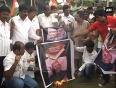 Congress protests in bangalore against natwar singh s book