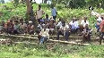 Villagers unite in Gaya, construct decades old incomplete bridge.mp4