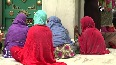 People of all faiths throng the dargah of Latif Shah Baba in Kanpur.mp4