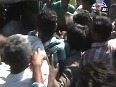 Mob thrashes police for asking for bribe