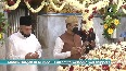 Mumbai s Mahim Dargah reopens with COVID guidelines in place.mp4