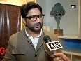 Arshad Warsi feels wife is ferociously honest in her first cookbook