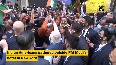 PM Modi greets Indian Americans outside his hotel in New York