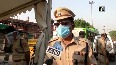 Delhi Police distribute Keep a distance of two gaz paper jackets in Jama Masjid area