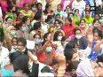 Delhi smog Congress women s wing protests outside CM Kejriwal s residence