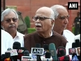 Advani for early ls polls as remedy to economic crisis