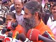 Watch Harsimrat Kaur, Ramdev trying their hands on gigantic Khichdi