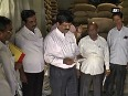 Traders offer pulses at cheaper rates to check soaring prices