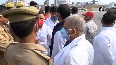 Police stops SP leaders while marching towards Raj Bhavan to protest against UP govt.mp4