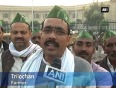 Farmers protest against unchanged prices of sugarcane in up
