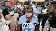 Huge crowd of brick kiln labourers assemble at Moradabad Junction