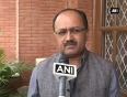 Politicos react over rift within aap