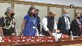 Def Min Singh, US Def Secretary hold delegation level talks