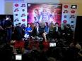 Shahrukh khan promotes  happy new year  in ahmedabad