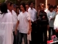 Sonu Nigam 's Mother Passes Away | Bollywood Pays Tribute