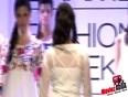 Hazel Keech Walks The Ramp For Purvi Doshi   Lakme Fashion Week 2013 !