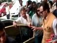 Media Mobbed Newly Married Saif Kareena At Airport !