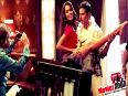 Lisa Haydons MORE SKIN SHOW for Akshay Kumar