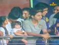 OMG: Gauri ditches SRK 's cricket match to party with friends!