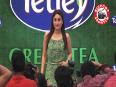 Kareena Kapoor caught faking!