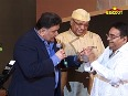 Rishi Kapoor entertains the audience at his humorous best