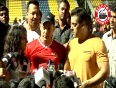Aamir and Abhishek kick off their differences