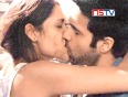 Check out the hottest kissing scenes