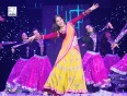 SRK Performs With Deepika And Madhuri In London
