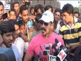 Vivek Oberoi Cleans Juhu Beach For Swachh Bharat Campaign