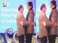 Rajinikanth TOUCHED Amitabh Bachchans feet once again